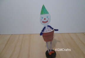 thumbnail of funny dressed clown