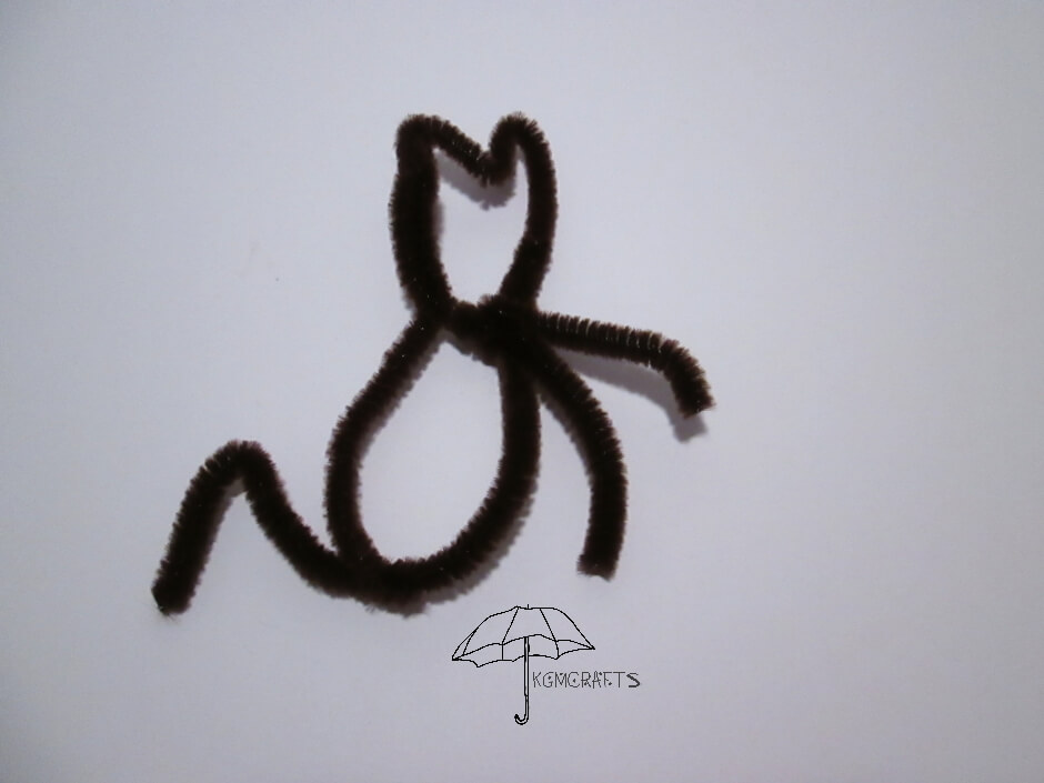 cat made with a pipe cleaner