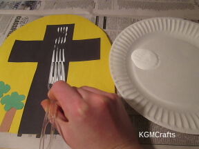use a fork to paint the white on the cross