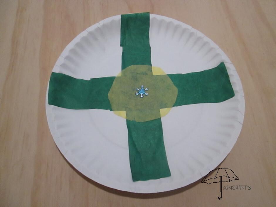 paper plate badge