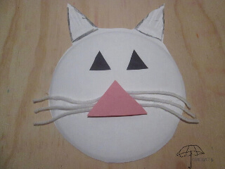 make a cat's face from a paper plate