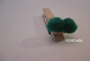 clothespin with pompoms