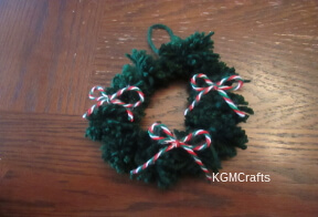 thumbnail of pompom wreath