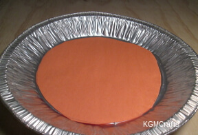 glue circle on pie plate
