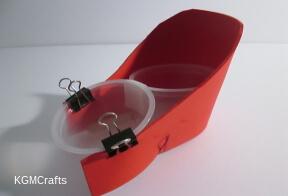 wrap foam around fruit cups