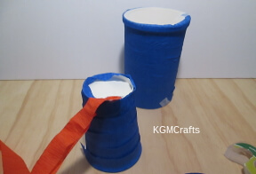 use streamers to decorate the cups and oatmeal containers