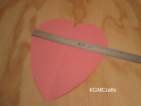 make a heart to fit the bag